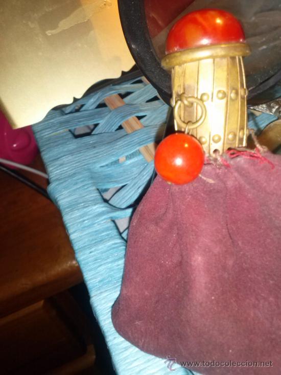 Antigüedades: Antiguo monedero tipo bolsa; terciopelo color vino; cierre tipo malla metálica extensible... - Foto 7 - 51380431