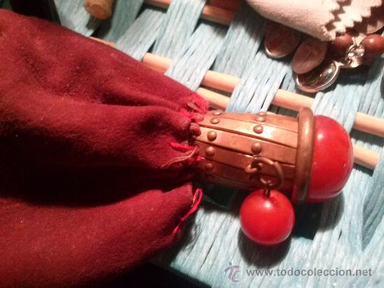 Antigüedades: Antiguo monedero tipo bolsa; terciopelo color vino; cierre tipo malla metálica extensible... - Foto 13 - 51380431