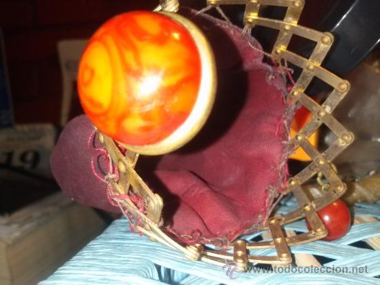 Antigüedades: Antiguo monedero tipo bolsa; terciopelo color vino; cierre tipo malla metálica extensible... - Foto 15 - 51380431