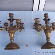 Antigüedades: PAREJA DE CANDELABROS EN BRONCE PARA 5 VELAS. Lote 33821157