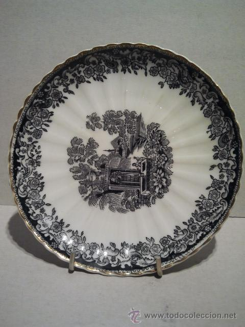 Antigüedades: 3 platos de cerámica. Santa Clara Vigo. Sello en verde estampado al dorso. Borde dorado - Foto 2 - 33813549