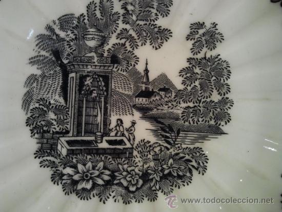 Antigüedades: 3 platos de cerámica. Santa Clara Vigo. Sello en verde estampado al dorso. Borde dorado - Foto 3 - 33813549