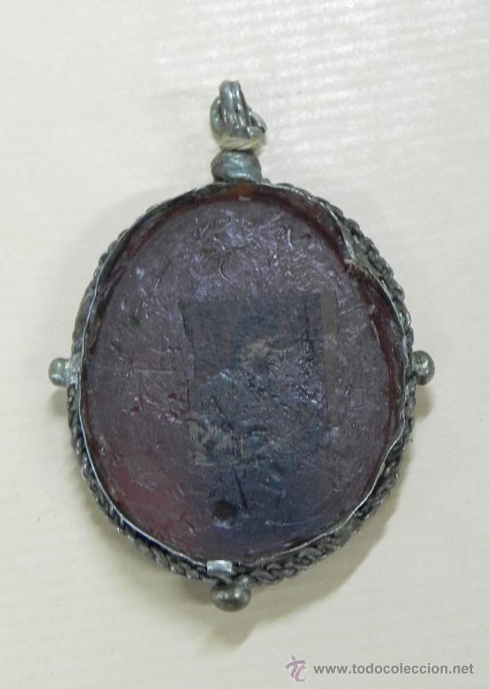 Antigüedades: MEDALLON RELICARIO DE PLATA CAJA OVAL Y DOBL VIRIL (FALTA UNO DE LOS CRISTALES). SIGLO XVIII, MIDE 6 - Foto 3 - 33845848
