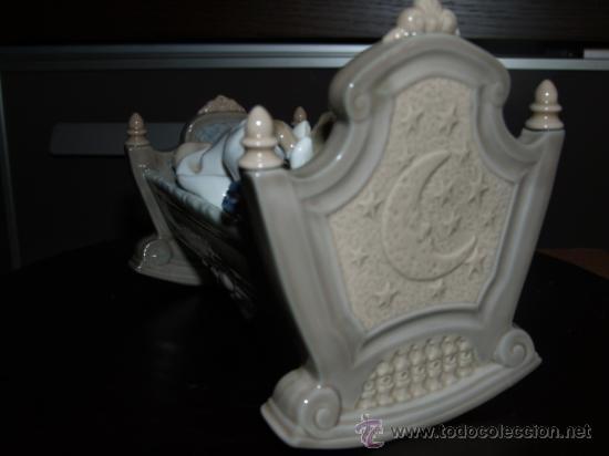Antigüedades: PRECIOSA PORCELANA FINA DE LLADRO DORMIDITAS EN LA CUNA DESCATALOGADA - Foto 4 - 33859354