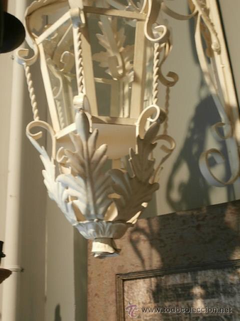 Antigüedades: FAROL O APLIQUE DE PARED COLGANTE DE HIERRO PARA PONER UNA VELA - Foto 3 - 116308506
