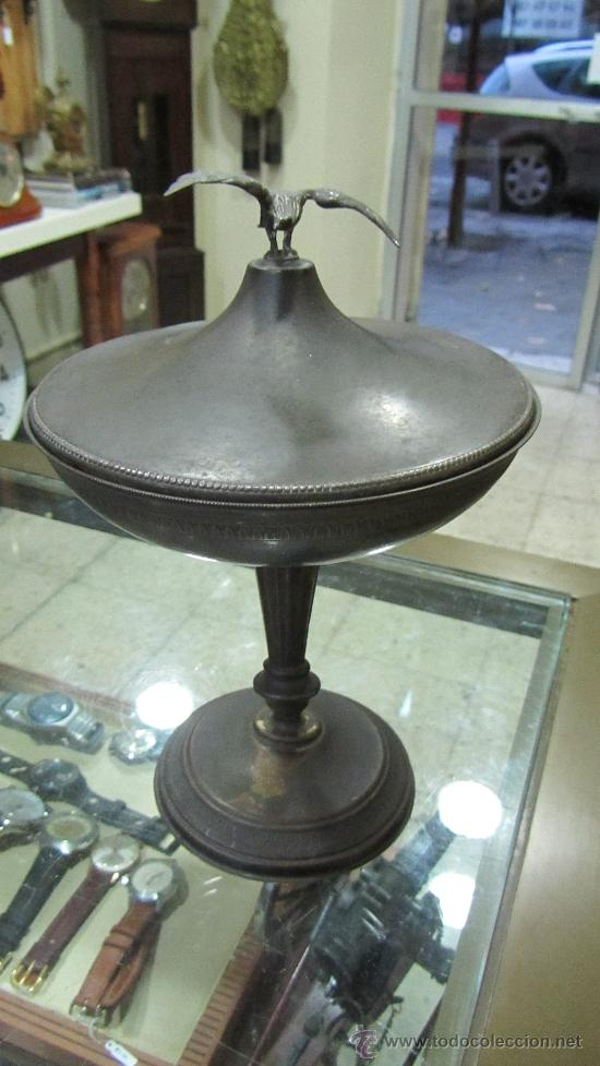 COPA IMPERIO METAL PLATEADO. (Antigüedades - Hogar y Decoración - Copas Antiguas)