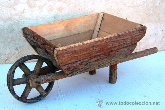 Carretilla de madera antigua apero de labranz comprar for Carretillas de madera para jardin