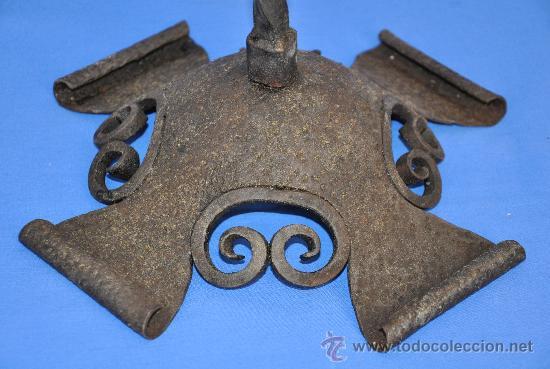 Antigüedades: Portavelas de Hierro Cincelado. - Foto 4 - 33944215