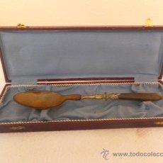 Antigüedades: CUCHARA. DE PLATA Y ASTA DE TORO. . Lote 33968972