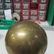 Antigüedades: BOLA DE BRONCE PARA REMATE DE ESCALERA.. Lote 33983730