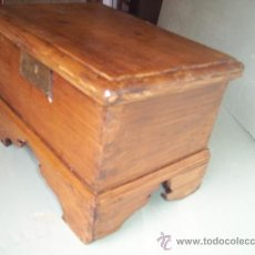 Antigüedades: ANTIGUA ARCA DE MADERA DE PINO . Lote 33984243