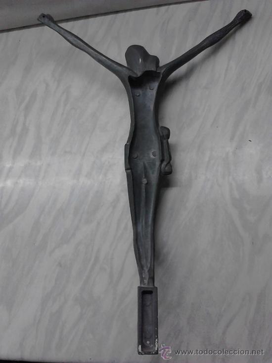 Antigüedades: FIGURA DE JESUS EN METAL DE UNA PIEZA. CON AGUJEROS DE ANCLAJE. - Foto 2 - 34113088