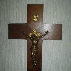 Antigüedades: CRISTO CON CRUZ DE MADERA. Lote 34025869
