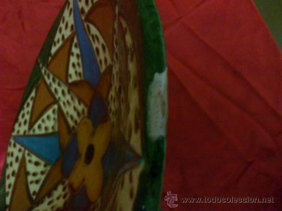 Antigüedades: PLATO DE CERAMICA DE LA BISBAL (GERONA) FIRMADO PUIGDEMONT - Foto 3 - 34026855