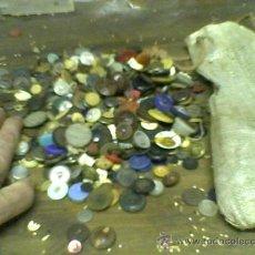 Antigüedades: LOTE BOTONES ANTIGUOS UNOS 500 . Lote 34035891