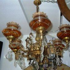 Antigüedades: LAMPARA DE BRONCE CON 6 BRAZOS Y TULIPAS DE CRISTAL TALLADO EN COLOR AMBAR. Lote 34069883