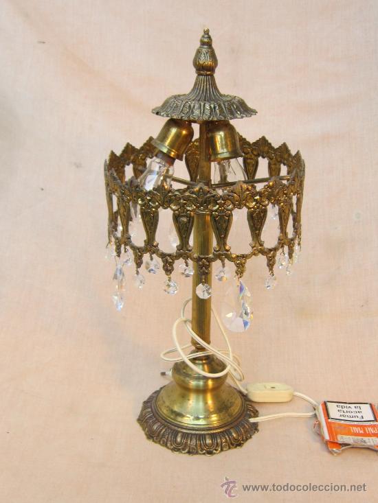 LAMPARA DE MESA EN BRONCE CON CRISTALES (Antigüedades - Iluminación - Lámparas Antiguas)