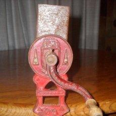 Antigüedades: ANTIGUO RALLADOR DE PAN MARCA ELMA. Lote 34172936