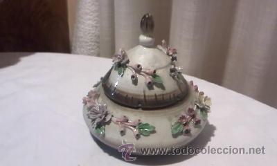 PRECIOSA BOMBONERA CAPODIMONTE (Antigüedades - Porcelanas y Cerámicas - Otras)