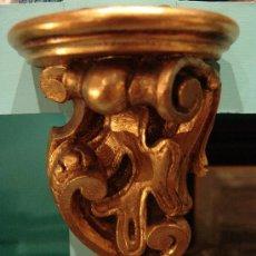 Antigüedades: PEQUEÑA MÉNSULA DE MADERA EN PAN DE ORO. Lote 34201830