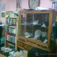 Antigüedades: VITRINA ANTIGUA ANCHO 1,30 FONDO 42,ALTURA 1,70.. Lote 34210634