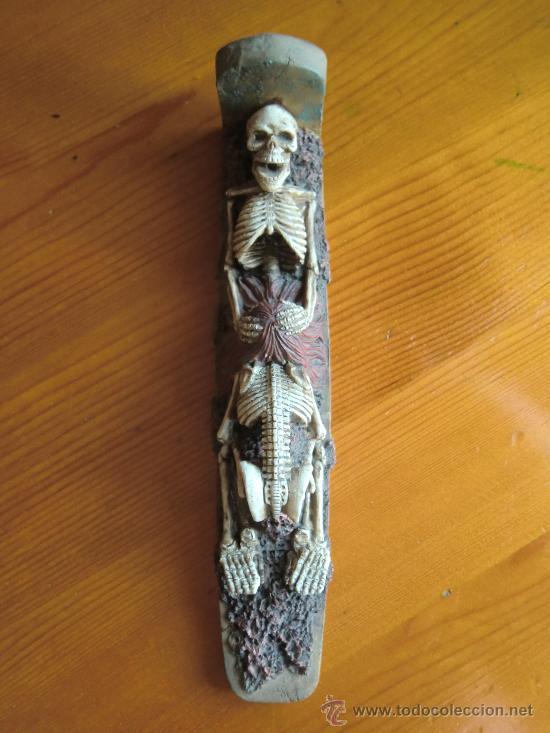 Antigüedades: Figura de resina ESQUELETOS Y CALAVERAS con lápida. ¡Nueva! - Foto 3 - 34219385