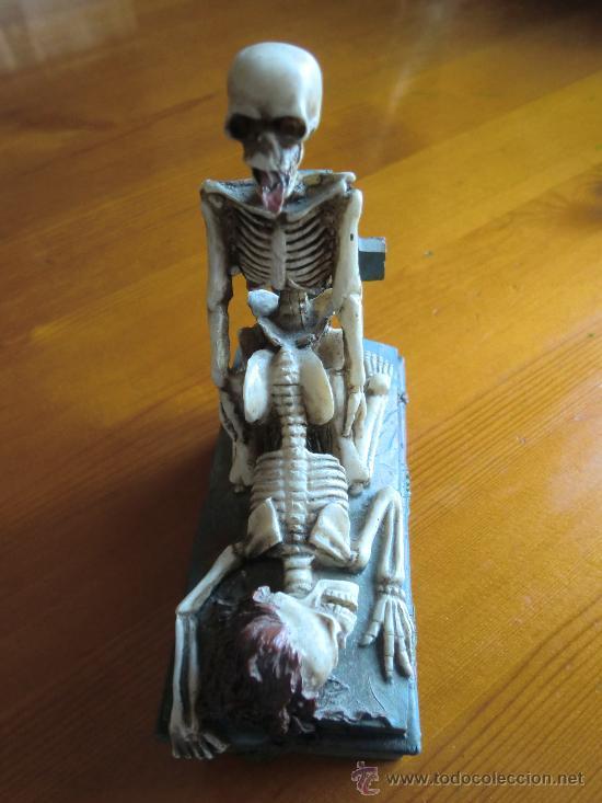 Antigüedades: Figura de resina ESQUELETOS Y CALAVERAS CON TUMBA. ¡Nuevo! - Foto 3 - 34219469