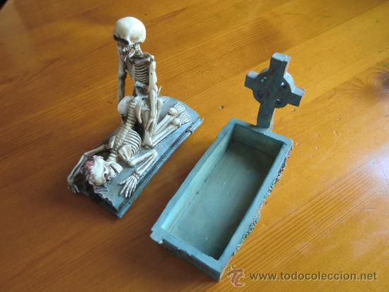 Antigüedades: Figura de resina ESQUELETOS Y CALAVERAS CON TUMBA. ¡Nuevo! - Foto 4 - 34219469