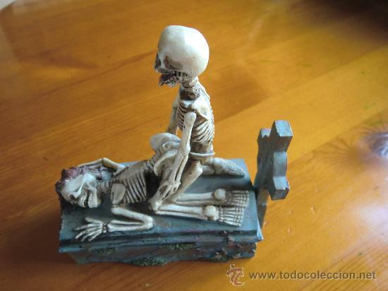 Antigüedades: Figura de resina ESQUELETOS Y CALAVERAS CON TUMBA. ¡Nuevo! - Foto 6 - 34219469