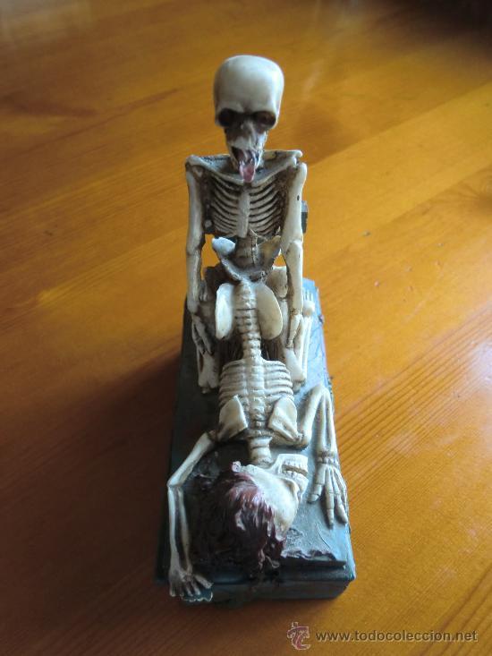 Antigüedades: Figura de resina ESQUELETOS Y CALAVERAS CON TUMBA. ¡Nuevo! - Foto 7 - 34219469
