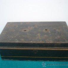 Antigüedades: CAJA DE RECAUDALES DE LATON. Lote 34225682