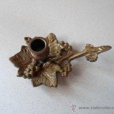 Antigüedades: ANTIGUO PORTAVELA O PALMATORIA. Lote 34277915