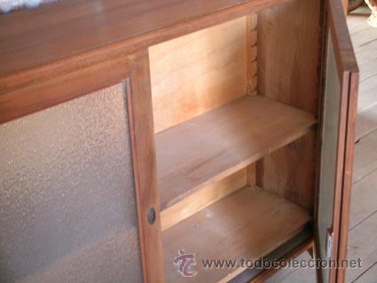 Antigüedades: Mueble bajo-Consola. Puertas cristal. Madera nogal macizo | Retro - Foto 2 - 34298721