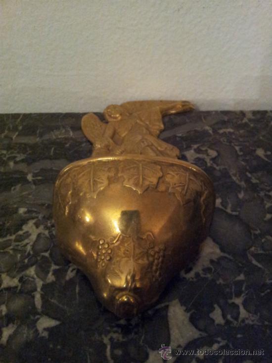 Antigüedades: Bonita pila de agua bendita en bronce - Foto 5 - 41317452