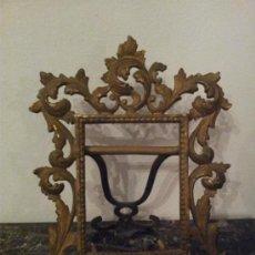 Antigüedades: ANTIGUO MARCO DE SOBREMESA DE BRONCE. Lote 34393441