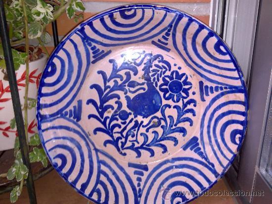 ANTIGUA FUENTE DE FAJALAUZA, PINTADA A MANO (Antigüedades - Porcelanas y Cerámicas - Fajalauza)