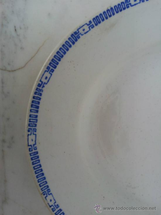 Antigüedades: Dos bandejas para servir en porcelana de San Juan de Aznalfarache - Foto 7 - 34503005