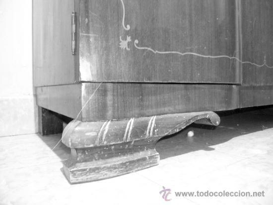 Antigüedades: Armario 2 puertas curvadas, con marquetería. Espejos biselados en interior puertas. Madera de mbero - Foto 5 - 34438185