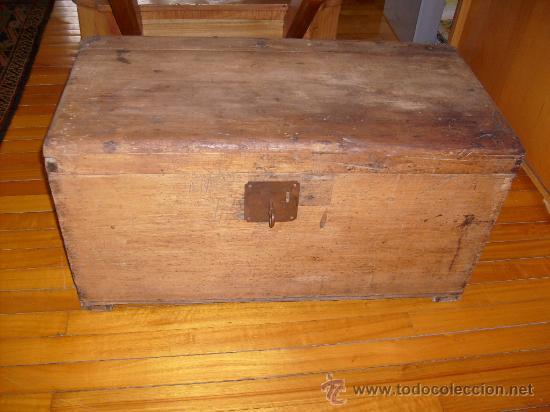 BAÚL DE CEDRO MUY ANTIGÜO (Antigüedades - Muebles Antiguos - Baúles Antiguos)
