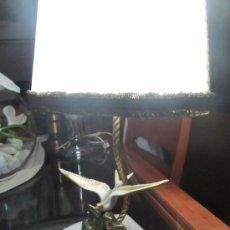 Antigüedades: M69 LAMPARA SOBREMESA MODERNISTA ART DECO CIRCA AÑOS 20-30 EN MARMOL BRONCE Y PERGAMINO CON UN AVE. Lote 34466219