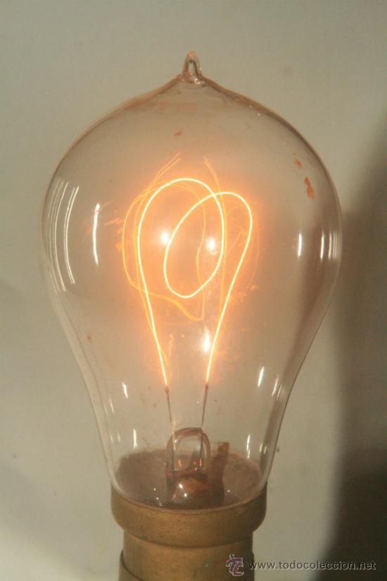 ANTIGUA BOMBILLA DE 1900 Y PORTA-LAMPARAS (Antigüedades - Iluminación - Otros)