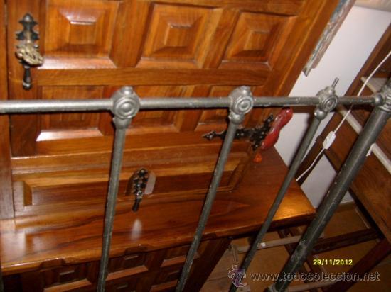 Antigüedades: cabecero cama de hierro - Foto 3 - 29047545