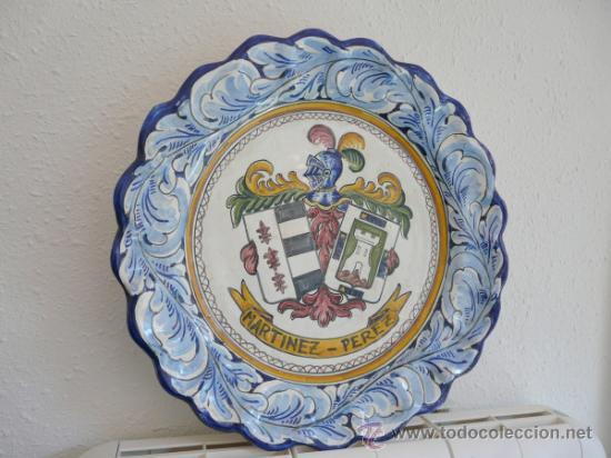 Antigüedades: ANTIGUO GRAN FUENTE CERAMICA DE TALAVERA - ESCUDO CON EL NOMBRE MARTINEZ-PEREZ - Foto 9 - 34543098