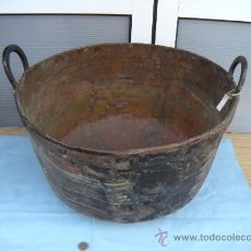 Antigüedades: ANTIGUA CALDERA OLLA PEROL DE COBRE CON REMACHES Y ASAS PUNZONADAS, S. XIX. Lote 78719846