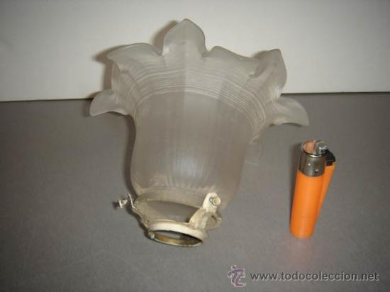 Antigüedades: ANTIGUA TULIPA DE CRISTAL GLASEADO PARA UNA LÁMPARA. - Foto 2 - 34624088