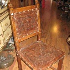 Antigüedades: OCASION PAREJA SILLAS DE CUERO ANTIGUAS. Lote 34641166