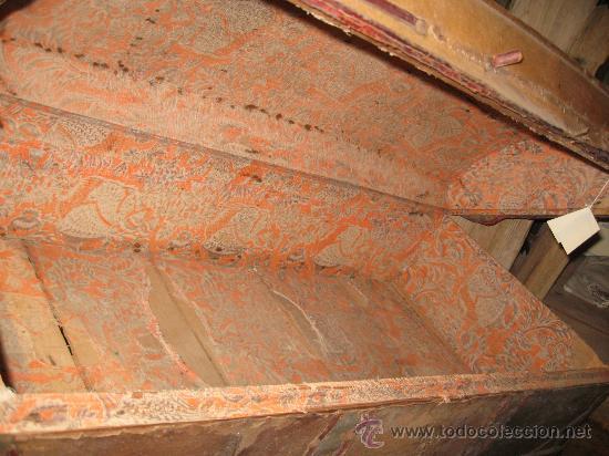 Antigüedades: Baúl antiguo de madera con cantoneras y tachuelas Medidas: 107x53x40cm.- para restaurar - Foto 5 - 34642881