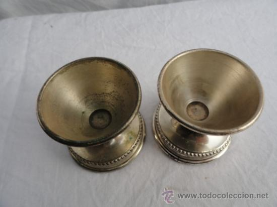 Antigüedades: LOTE DE 2 HUEVERAS DE ALPAHACA. - Foto 2 - 34651094