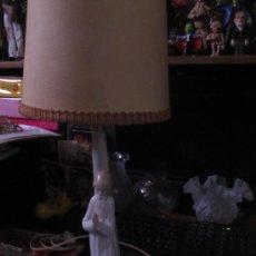 Antigüedades: M69 ANTIGUA LAMPARA DE BASE EN PORCELANA LLADRO NAO TODA ORIGINAL. Lote 153597960