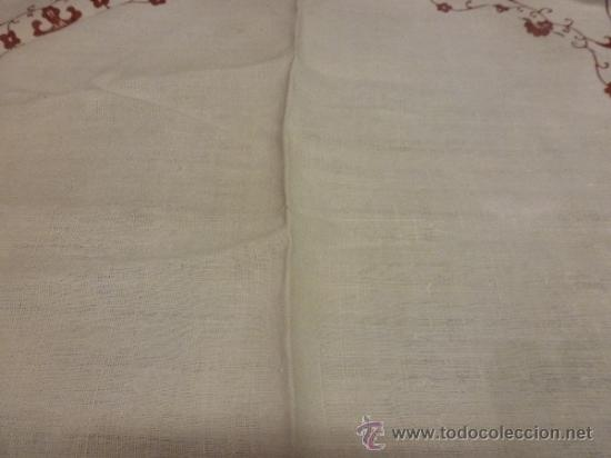 Antigüedades: mantel burdeos bordadas mallorca - Foto 6 - 34670027